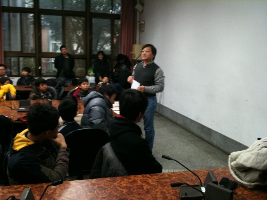Secretary General, Prof. Liu, makes housekeeping before matches