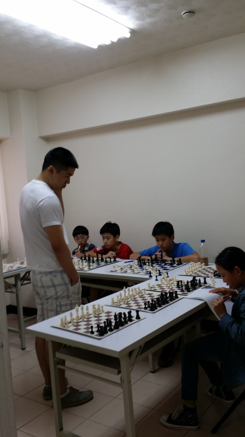 Play with 10 best young players in Taiwan