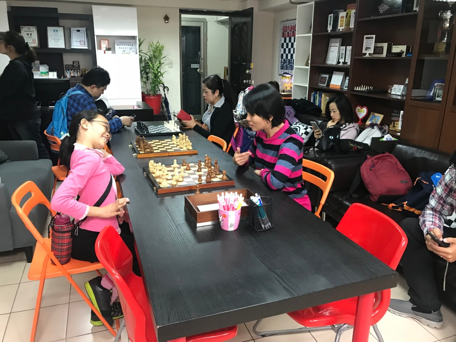 new chess parents playing chess 02